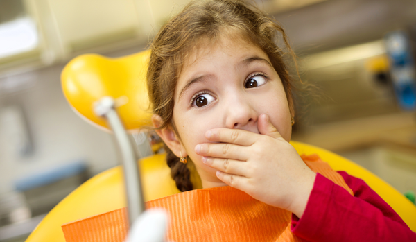 child-is-afraid-of-the-dentist.png