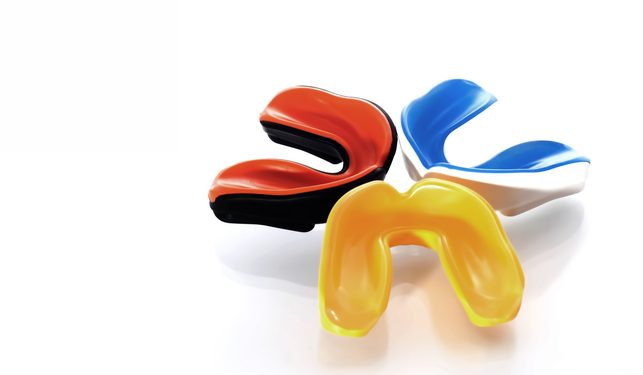 mouthguard1feat-643×375